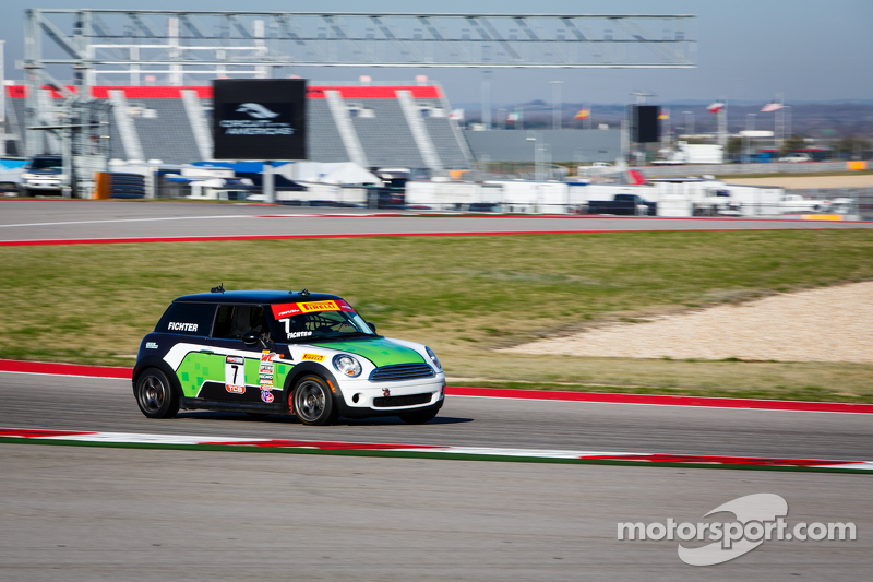 #7 Breathless Racing, MINI Cooper: Jason Fichter