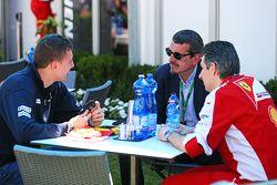 Raffaele Marciello, Sauber F1 Team Test And Reserve Driver with Guenther Steiner, Haas F1 Team Principal and Claudio Albertini, Ferrari Head of Customer Teams Power Unit Operations