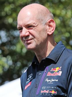 Adrian Newey, Red Bull Racing, Oficial Técnico del equipo