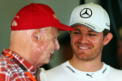 Niki Lauda con Nico Rosberg, Mercedes AMG F1