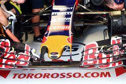 L'aileron avant de la Scuderia Toro Rosso STR10
