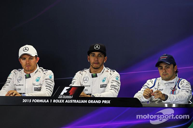 Konferensi Pers FIA tiga besar kualifikasi: peringkat kedua Nico Rosberg, Mercedes AMG F1, Pole winner Lewis Hamilton, Mercedes AMG F1, peringkat ketiga Felipe Massa, Williams