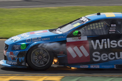 Scott McLaughlin, Garry Rogers Motorsport Volvo in trouble