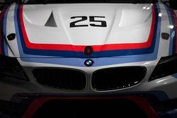 BMW onthult een historische livery van de BMW IMSA 3.0 CSL voor de 12 Uren van Sebring
