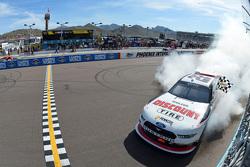 Vincitore Race Joey Logano, Penske Ford festeggia