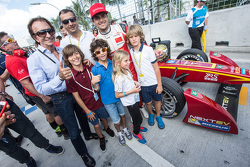 Nelson Piquet Jr., China Racing com Emerson Fittipaldi
