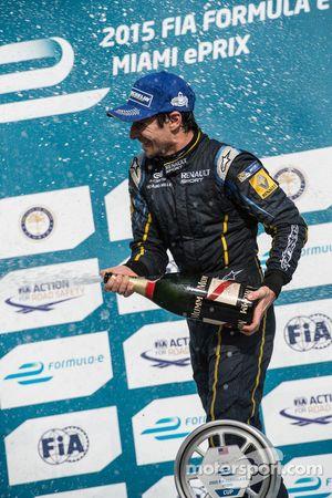 Racewinnaar Nicolas Prost