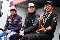 (De izquierda a derecha): Carlos Sainz Jr., Scuderia Toro Rosso; Nico Hulkenberg, Sahara Force India