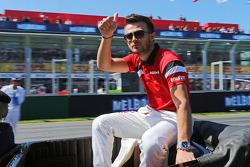 Will Stevens, Manor Marussia F1 Takımı geçit töreninde