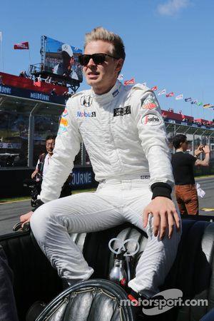 Kevin Magnussen, McLaren, bei der Fahrerparade