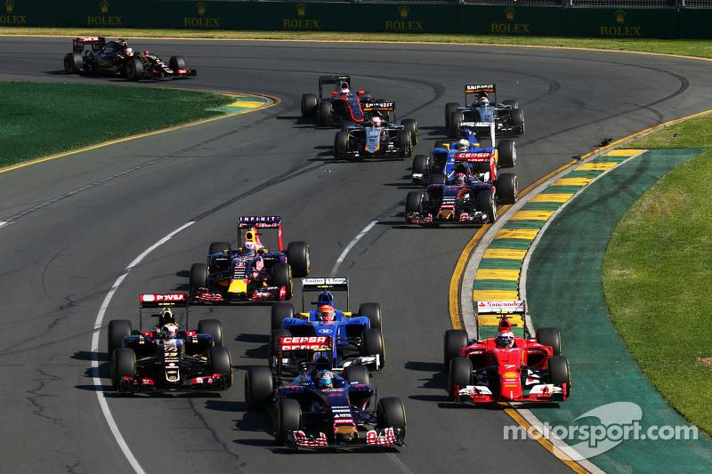 Start: Kimi Raikkonen sorun yaşıyor, Scuderia Ferrari