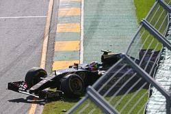 Start: Pastor Maldonado sorun yaşıyor, Lotus F1 Takımı