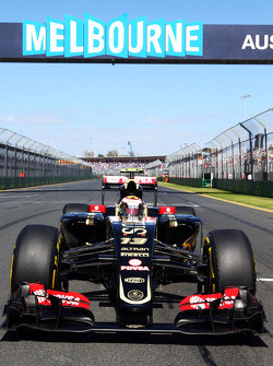 Pastor Maldonado, Lotus F1 E23 sur la grille