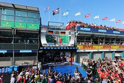 Podio: Segundo lugar Nico Rosberg, de Mercedes AMG F1, ganador Lewis Hamilton, Mercedes AMG F1 y tercer lugar, Sebastian Vettel, Ferrari