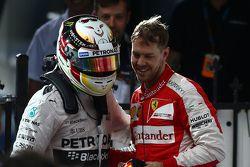 Ganador de la carrera Lewis Hamilton, Mercedes AMG F1, el segundo lugar Nico Rosberg, de Mercedes AM