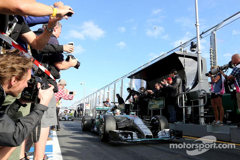 Juara balapan Lewis Hamilton, Mercedes AMG F1 Team