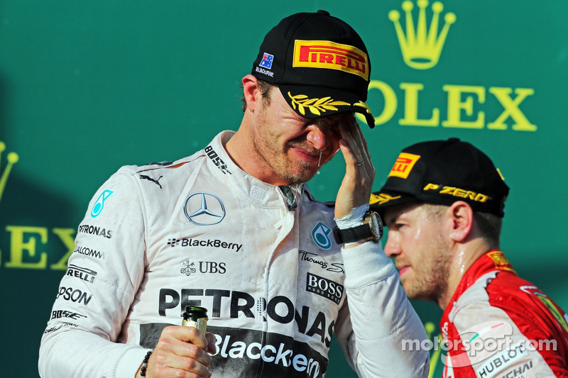Nico Rosberg, Mercedes AMG F1 merayakan his second position di podium