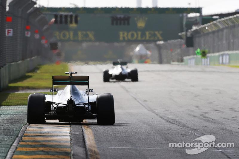 Гран При Австралии, 15 марта. Нико Росберг преследует Льюиса Хэмилтона