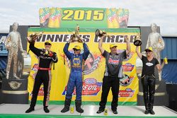 Ganador de Top Fuel Spencer Massey, ganador Funny Car Ron Capps, Stock ganador Pro Greg Anderson, ga