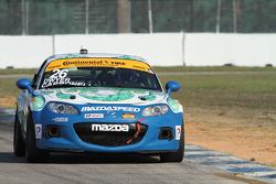 #26 自由车队,马自达MX-5: Liam Dwyer, Andrew Carbonell