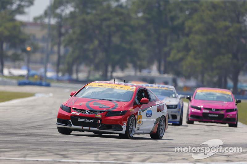 #4 LRT Racing, Honda Civic: Juan Leroux, Jorge Leroux