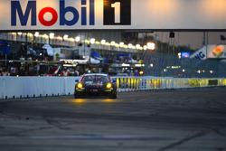 # 73 بارك بلايس موتورسبورتس بورشه 911 جي تي أميركا: باتريك ليندسي، سبنسر بامبيلي، جيم نورمان