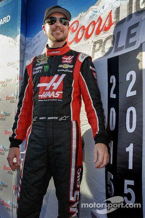 Polesitter Kurt Busch, Stewart-Haas corsa Chevrolet festeggia