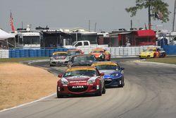 #34 Alara Racing, Mazda MX-5: Christian Szymczak, Devin Jones
