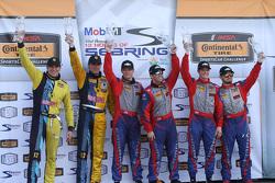 Podium: racewinnaars Robin Liddell, Andrew Davis, Stevenson Motorsports, tweede plaats Lawson Aschen