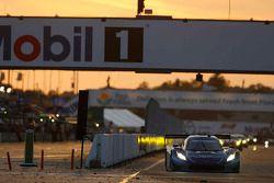 #90 VisitFlorida.com Racing Corvette DP: Richard Westbrook, Michael Valiante, Mike Rockenfeller