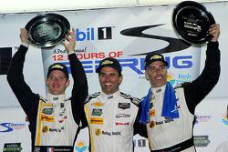 比赛获胜者 #5 快速行动车队 Corvette DP: Joao Barbosa, Sébastien Bourdais, Christian Fittipaldi