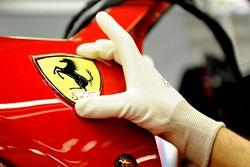 Il Cavallino Ferrari nella linea di assemblaggio