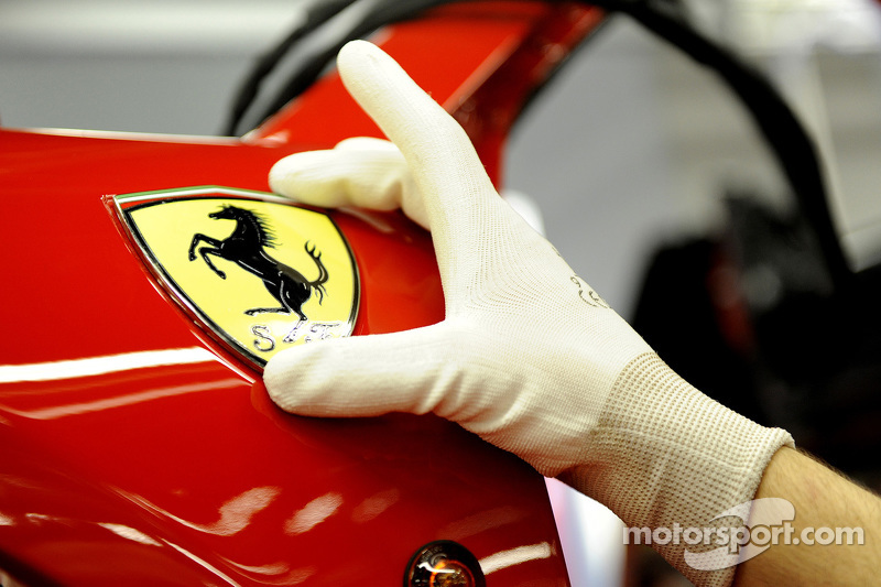 """Гарцующий жеребец"" на сборочной линии Ferrari"
