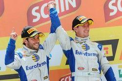 Podium: Los gandores de la carrera, Ricardo Maurício, Nestor Girolami