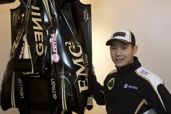 Adderly Fond présenté en tant que pilote de développement, Lotus F1 Team