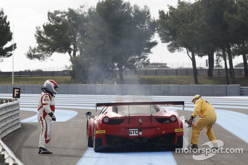 AF Corse 法拉利 F458 Italia: Mads Rasmussen, Filipe Barreiros, Francisco Guedes停在了赛道上