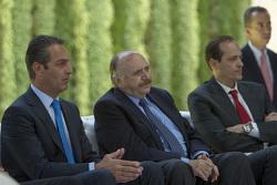 Carlos Slim Domit, Presidente del Consejo de Administración de Telmex; Jóse Abed, Federación de Auto