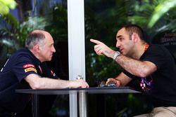 (L to R): Franz Tost, Scuderia Toro Rosso Team Principal with Cyril Abiteboul, Renault Sport F1 Managing Director