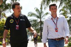 (Von links nach rechts): Federico Gastaldi, stellvertretender Teamchef Lotus F1 Team, mit Geschäftsführer Matthew Carter