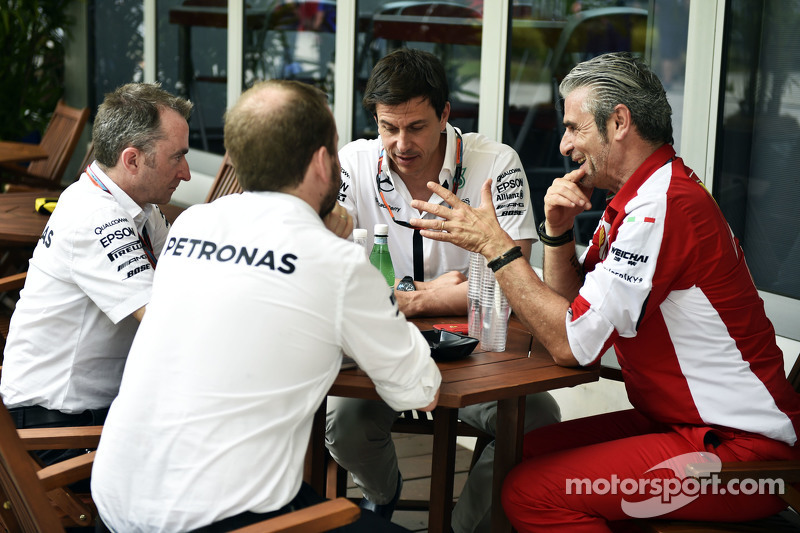 (L to R): Paddy Lowe, Mercedes AMG F1 Executive Director, with Toto Wolff, Mercedes AMG F1 Sharehold