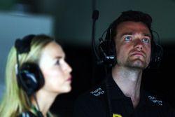 Carmen Jorda, Entwicklungsfahrerin Lotus F1 Team, und Jolyon Palmer, Test- und Ersatzfahrer Lotus F1