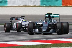 Nico Rosberg, Mercedes AMG F1 W06 leads Felipe Massa, Williams FW37