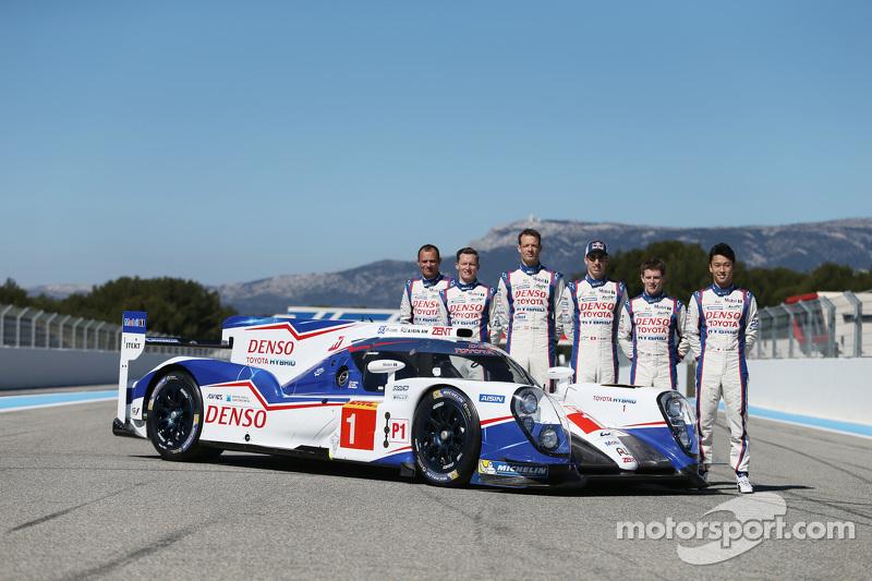 #1 Toyota Racing Toyota TS040 dengan para pembalap Stéphane Sarrazin, Mike Conway, Alexander Wurz, A