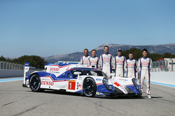 #1 Toyota Racing Toyota TS040 avec les pilotes Stéphane Sarrazin, Mike Conway, Alexander Wurz, Anthony Davidson, Sebastien Buemi, Kazuki Nakajima