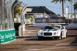 #20 Bentley Takımı Dyson Racing Bentley Continental GT3: Butch Leitzinger