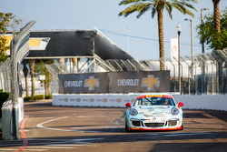 #81 DragonSpeed Porsche 911 GT3 Kupası: Victor Gomez