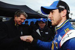 Chase Elliott, Hendrick Motorsports Chevrolet is congratulated by father Bill Elliott after qualifyi
