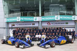 Маркус Ерікссон, Sauber C34 з товаришом по команді Феліпе Наср, Sauber F1 Team