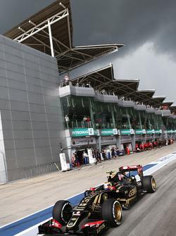 Пастор Мальдонадо Lotus F1 E23