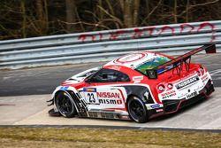 Nissan GT-R Nismo GT3 команды Nissan GT Academy Team RJN: Казуки Хошино, Ян Марденборо